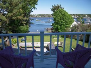 Oceanfront Retreat, fireplace, fence, highspeed - Bernard vacation rentals