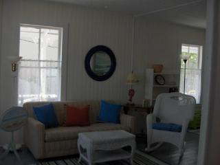 BEAUTIFUL COASTAL COTTAGE WITH OCEAN VIEW! - Gorham vacation rentals