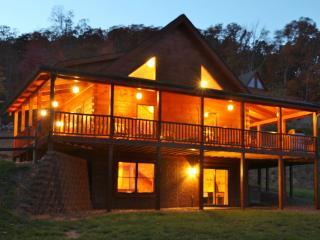 Luray Vacation Rental Cabin Hot Tub Mountain Views - Luray vacation rentals