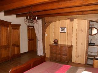 Chambre d'hôtes de Blanche Roche - Cleurie vacation rentals