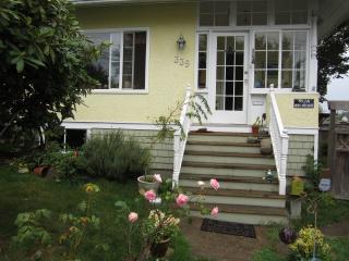 Bohemian Character Villa - New Westminster vacation rentals