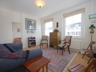 ONE BEDROOM APARTMENT LOCATED IN SOUTH KENSINGTON - London vacation rentals