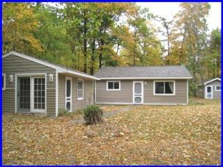 Trinity Retreat ~ The Family Friendly Cottage! - Sturgeon Bay vacation rentals