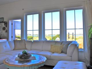 Beachfront Dream Cottage on the Oregon Coast - Lincoln City vacation rentals
