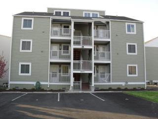3 BR On The Water/Short Walk to Beach/Shops Dock - Ocean City Area vacation rentals