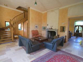 Bright 8 bedroom Gite in Cenac - Cenac vacation rentals