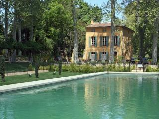 5 bedroom Villa in Aix En Provence, Provence, France : ref 2017992 - Aix-en-Provence vacation rentals