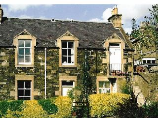 Lovely Apartment with Dishwasher and Kettle in Peebles - Peebles vacation rentals