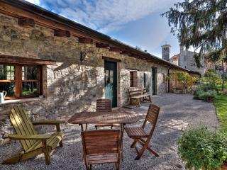 Charming 2 bedroom Chateau in Strassoldo - Strassoldo vacation rentals