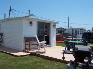 NEW WATERFRONT COTTAGE ON RHODE ISLAND SHORELINE - South Kingstown vacation rentals