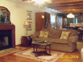 Kemah Cottage Is Very Charming- No Pet Charge - Bacliff vacation rentals