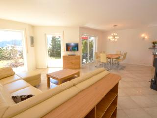 Perfect 3 bedroom Apartment in Piesendorf with Internet Access - Piesendorf vacation rentals