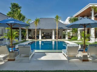 "Villa Windu Asri: ""Raffles Style"" 6 bedroom Luxury - Seminyak vacation rentals"