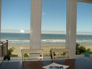 Quiet Contemporary at the Beach - Pacific Beach vacation rentals