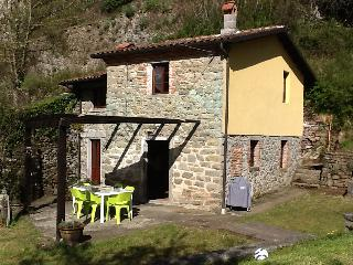 2 bedroom Cottage with Washing Machine in Casola in Lunigiana - Casola in Lunigiana vacation rentals