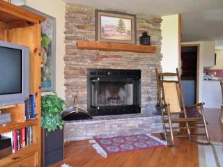 Sking/golfing out the front door - Linville vacation rentals
