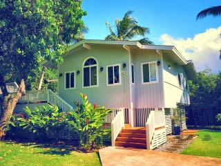 10 YRS Great Reviews! HotTub, Best  Beach, 4 Bikes - North Shore vacation rentals