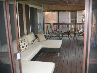 Beautiful LAKE FRONT House / Pontoon Boat INCLUDED - Three Rivers vacation rentals