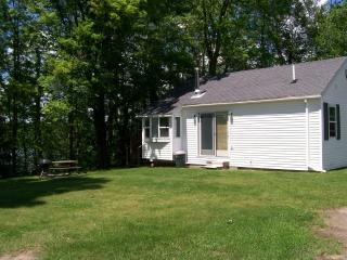 Comfy cabin over- looking lake - Pickerel vacation rentals