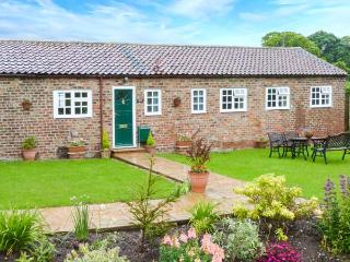 SHEPHERD'S COTTAGE all ground floor, family-friendly, near to coast in Bridlington Ref 8707 - East Riding of Yorkshire vacation rentals