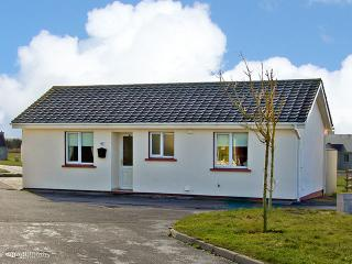 Nice Cottage with Parking Space and DVD Player - Banna vacation rentals