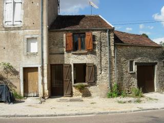 La Petite Poche - Noyers-sur-Serein vacation rentals