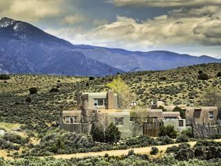 Casa del Arroyo Taos - Taos Area vacation rentals