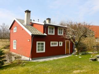 Famhouse for rent on Osterøy, close to Bergen - Bergen vacation rentals