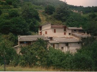Bel appartement dans ancienne grange rénovée - Tende vacation rentals