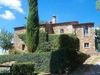 Bright 5 bedroom Villa in Sarteano with Internet Access - Sarteano vacation rentals