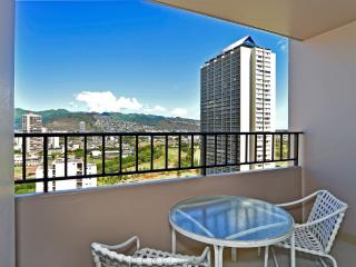 Beautiful Condo Amazing Views and Free Parking - Honolulu vacation rentals
