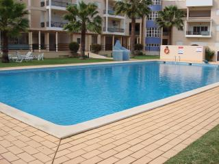 A Three bedroom apartment within walking distance to Vilamoura Marina. - Vilamoura vacation rentals