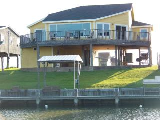 Waterfront, Bay View, Fishing,Private Dock, Quiet - Port Lavaca vacation rentals