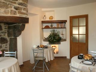3 bedroom B&B with Internet Access in Oloron-Sainte-Marie - Oloron-Sainte-Marie vacation rentals