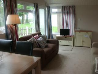 Dartmouth Chalet 144 Detached, Sleeps 4, parking. - Dartmouth vacation rentals