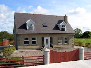 Bright Cottage with Parking Space and Tennis Court - Mayobridge vacation rentals