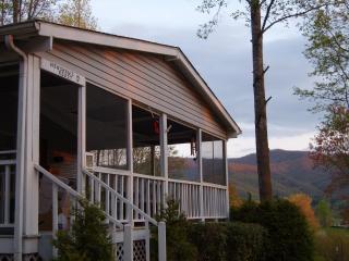 Bethabara Valley Overlook - Hayesville vacation rentals