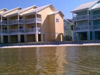 Great Family Vacation! 3 Bedroom on the Water - Ono Island vacation rentals