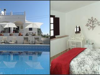 Casa Colina, Bed & Breakfast Comares, Almond Suite - Comares vacation rentals