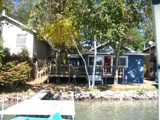 Waupaca Chain of Lakes Rental, Columbia Lake - Waupaca vacation rentals