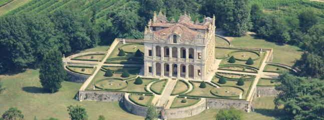 6 bedroom Villa in Selvazzano Dentro, Padova Area, Veneto And Venice, Italy : ref 2230526 - Image 1 - Selvazzano Dentro - rentals