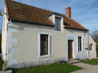 Perfect 2 bedroom Chateaumeillant Gite with Internet Access - Chateaumeillant vacation rentals