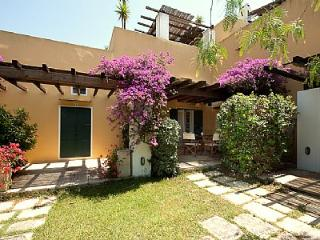 Cozy 2 bedroom Sannicola House with Deck - Sannicola vacation rentals