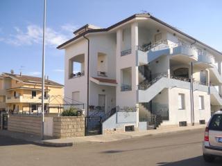 Cozy 2 bedroom Condo in Olmedo with A/C - Olmedo vacation rentals