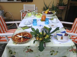 2 bedroom Bed and Breakfast with Internet Access in Padua - Padua vacation rentals