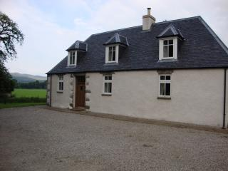 Spacious 5 bedroom Glen Urquhart House with Internet Access - Glen Urquhart vacation rentals