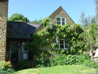 Sunny 2 bedroom Bridport House with Internet Access - Bridport vacation rentals