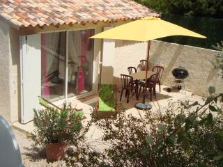 Romantic 1 bedroom Villa in Carnoux-en-Provence - Carnoux-en-Provence vacation rentals