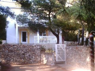 apartment for 4 or 6 persons Rukavac,island Vis - Rukavac vacation rentals