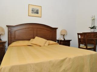 2 bedroom Condo with Shared Outdoor Pool in Ravello - Ravello vacation rentals
